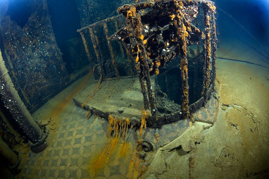 https://www.mysteryofthelastolympian.com/wp-content/uploads/2015/08/bishop3.jpg Inside The Real Titanic Wreck